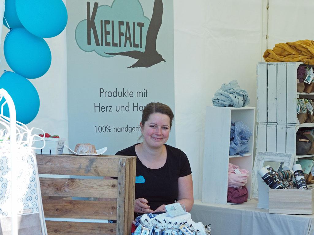 Annika Hoffmeisters selbstgemachte maritime Produkte am Kielfalt-Stand - Foto:SOD/Agnes Witte